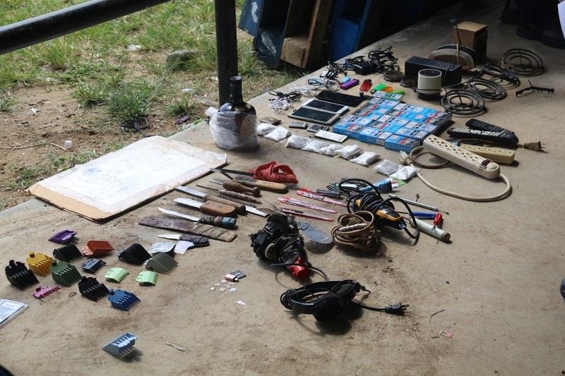 Decomisan armas, municiones, droga y más en La Joya