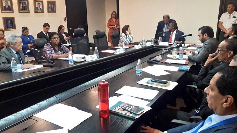 Comisión de Gobierno aprueba retiro de paquete de reformas de la Asamblea