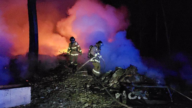 Se incendia depósito de chatarra en Cerro Patacón