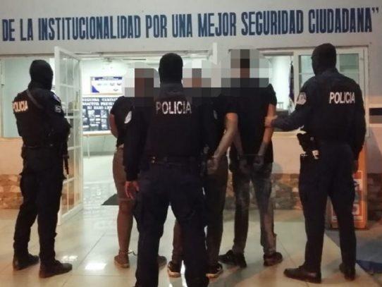 Decomiso de armas y tres aprehendidos en Arraiján