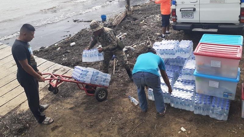 Distribuyen ayuda humanitaria  a comunidades afectadas por oleaje en Guna Yala