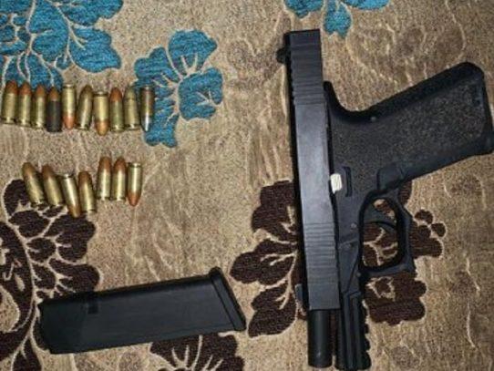 Al menos 135 detenidos por diversos delitos, armas y autos recuperados