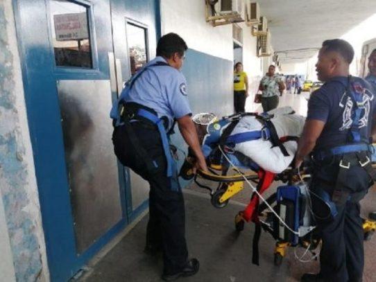 Cuatro trabajadores cayeron de un andamio en Agua Clara, uno murió