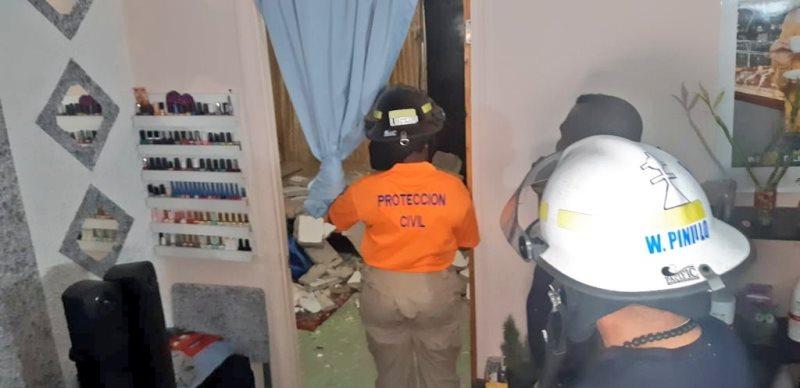 Dos lesionadas por caída de una losa en un edificio en Río Abajo