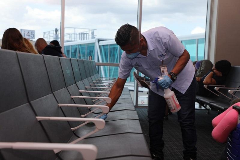 El Aeropuerto Internacional de Tocumen refuerza acciones de limpieza por coronavirus
