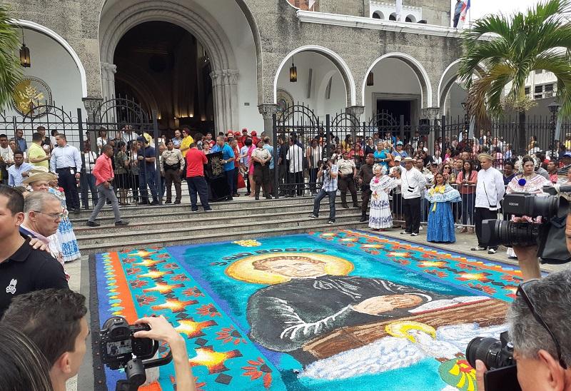 Católicos honran a San Juan Bosco en Panamá