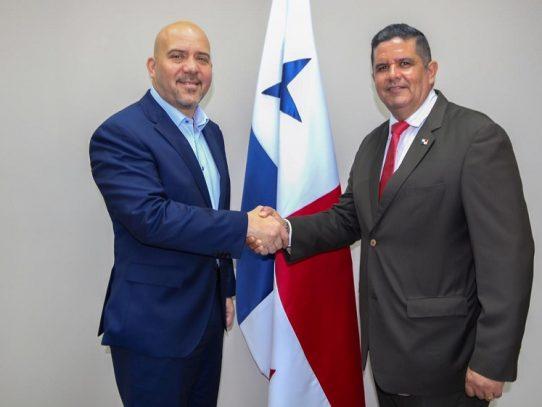 Mirones y Pino se reúnen para transición de mando del Ministerio de Seguridad