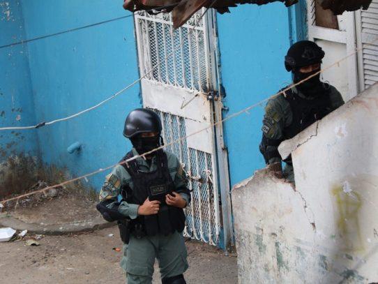 Fuerte operativo policial en el corregimiento de Santa Ana