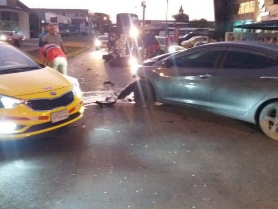 Tres heridos en triple colisión en David