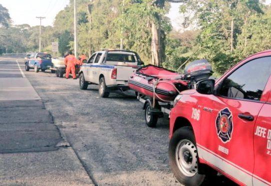 Equipos de rescate buscan a una persona desaparecida en el Lago Gatún