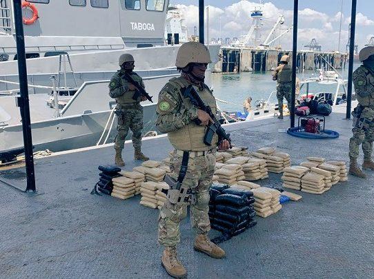 Incautan 289 paquetes con droga al sur de Punta Coco