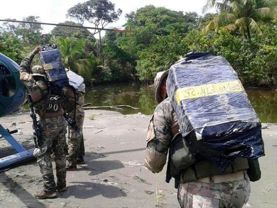 Ministro Pino realiza cambios en estrategia de seguridad en áreas costeras