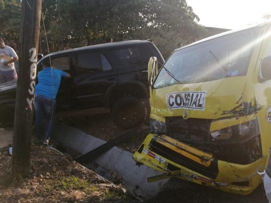 Varios heridos tras fuerte colisión en Chitré