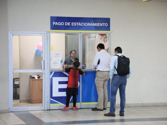 Aeropuerto de Tocumen instala centro manual de cobro de estacionamientos