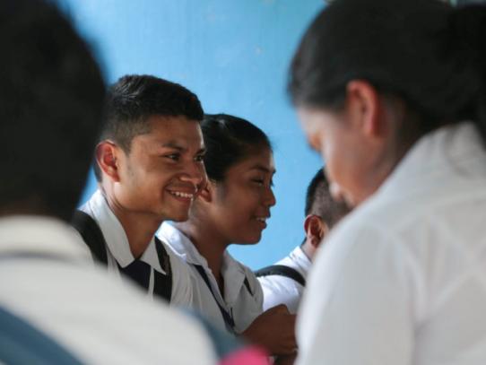 Estudiantes con promedio de 4.5 o más que participaron en concurso obtendrán beca