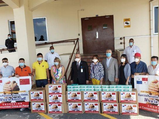 China entrega a Panamá donación de 23 mil mascarillas quirúrgicas