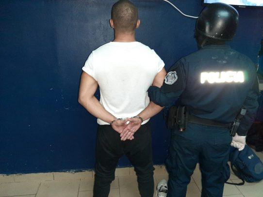 Al menos 379 detenidos durante toque de queda, 29 son menores