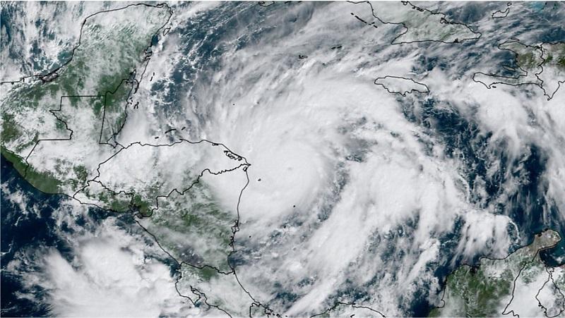 Centroamérica espera impacto de huracán Eta en zonas vulnerables