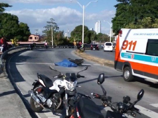 Motorizado fallece en accidente de tránsito en la vía Cincuentenario