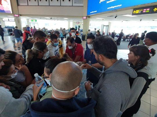 Se autorizan tres vuelos humanitarios para trasladar a 300 argentinos