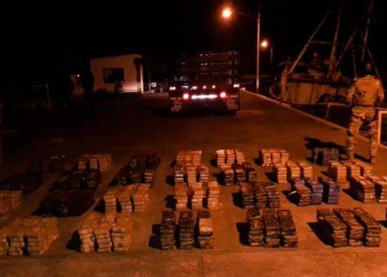Incautan 835 paquetes de droga en Colón