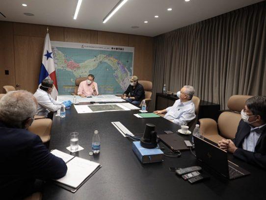 Presidente Cortizo se reúne con directivos del IDAAN
