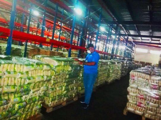Incautan miles de sacos de arroz en tránsito destinados a la Zona Libre