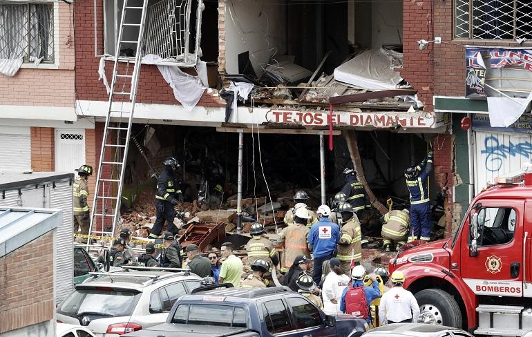 Cuatro muertos y 29 heridos por explosión en fábrica en Bogotá