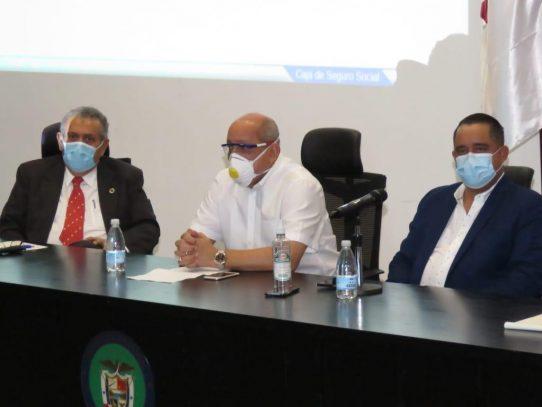 Diputados recomiendan diálogo nacional para analizar uso de reservas de la CSS
