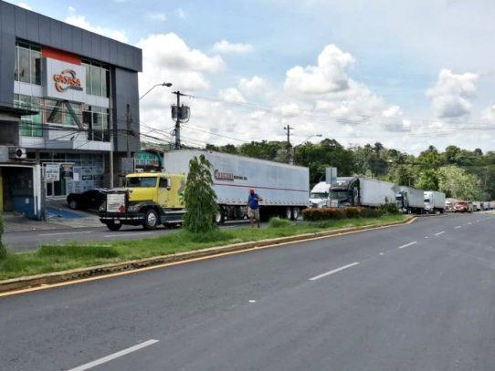 Panamá entabla negociaciones con Costa Rica por restringir ingreso de transportistas