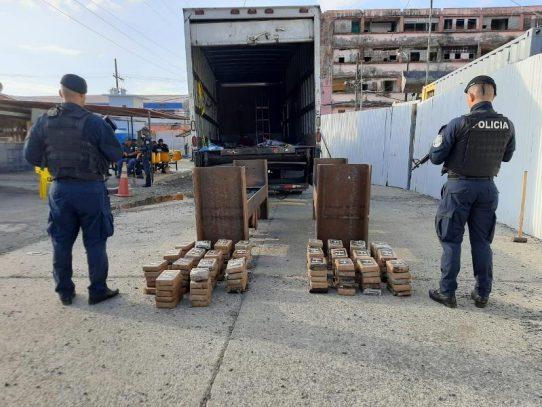 Nueve personas aprehendidas tras incautación de 130 paquetes de droga