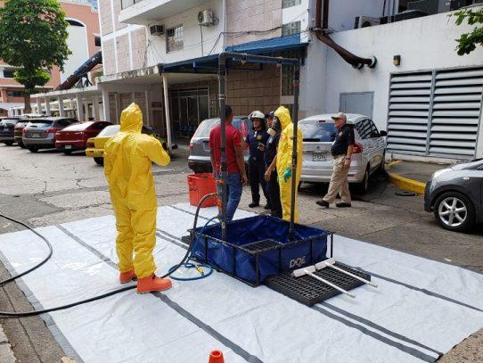 Bomberos logran controlar derrame químico en el Hospital Santo Tomás