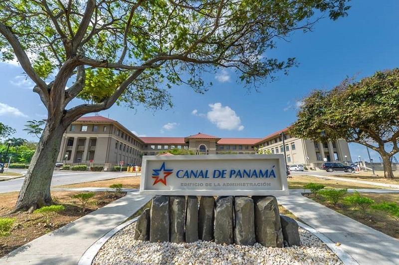 Víctor Vial es ratificado como vicepresidente de Finanzas del Canal de Panamá