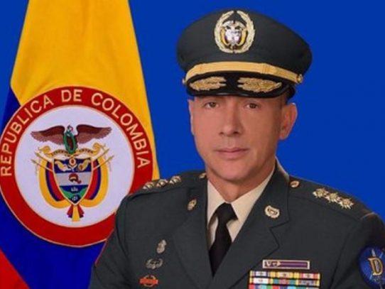 Suspenden del cargo a número dos del ejército colombiano tras sospecha de corrupción