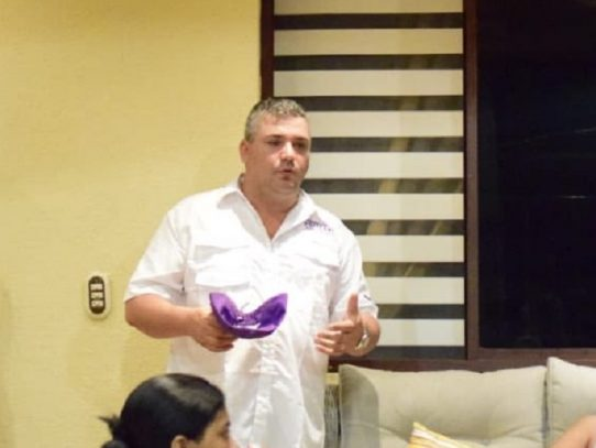Impedimento de salida del país para exalcalde Policani por caso de violencia doméstica