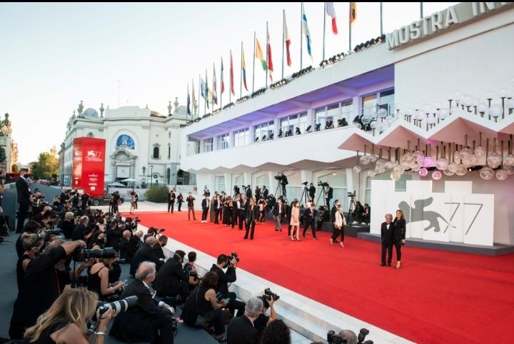 Se inaugura el Festival de Cine de Venecia, desafiante pero con distanciamiento social