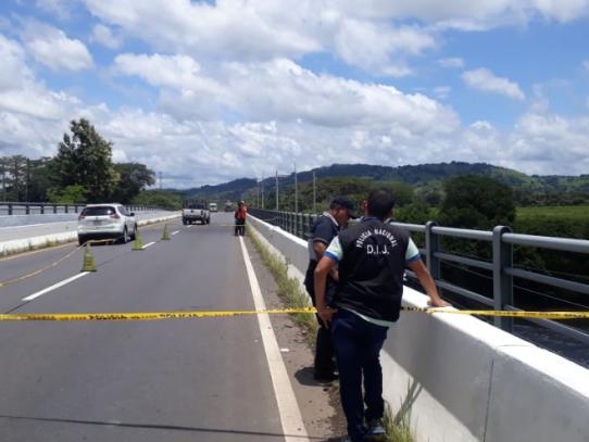 Encuentran feto abandonado en el puente sobre el Río Chiriquí