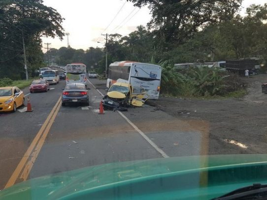 Al menos dos heridos por colisión múltiple en Chilibre