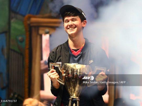 Un estadounidense se lleva 3 millones de dólares al ganar el Mundial de Fortnite
