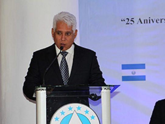 Cortizo retira nombramiento de José Simpson a la directiva del Banco Hipotecario