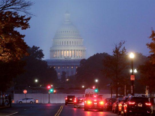 Congreso de EE.UU. aprueba paquete de ayuda para desastres