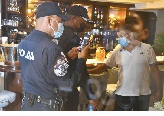 Blandón: Funcionarios en fiestas durante plena pandemia es un insulto