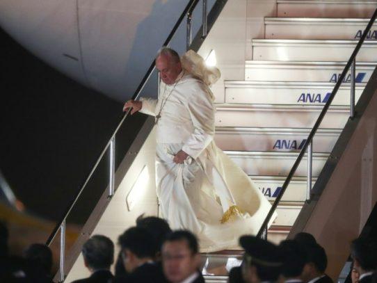 El papa Francisco lleva su mensaje antinuclear a Japón