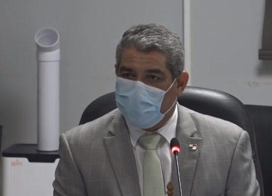 Sucre confirma búsqueda de médicos extranjeros para aumentar personal ante COVID-19