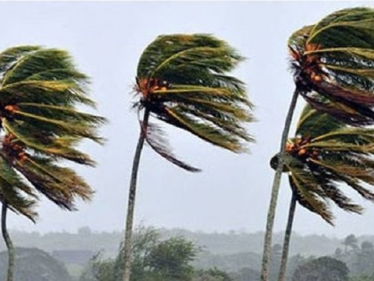 Advertencia por fuertes vientos en diferentes puntos del país