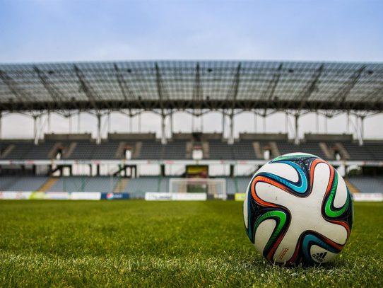 Los clubes de fútbol se venden como instituciones comunitarias. Es hora de demostrar que lo son.