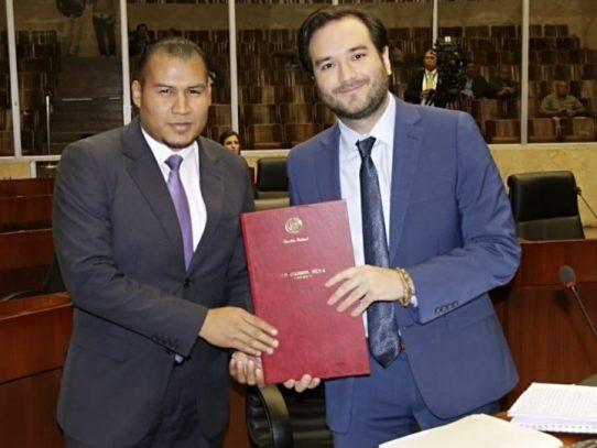 Diputado independiente presenta anteproyecto que prohíbe dar casa por cárcel a corruptos