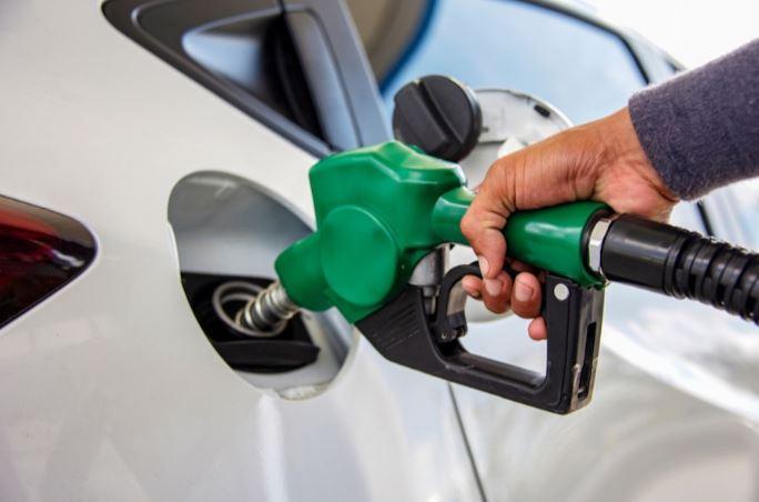Anuncian rebaja en los precios del combustible a partir del viernes 6