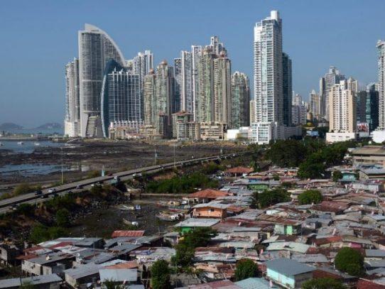 Panamá se reúne con OCDE para buscar su salida de la lista de paraísos fiscales