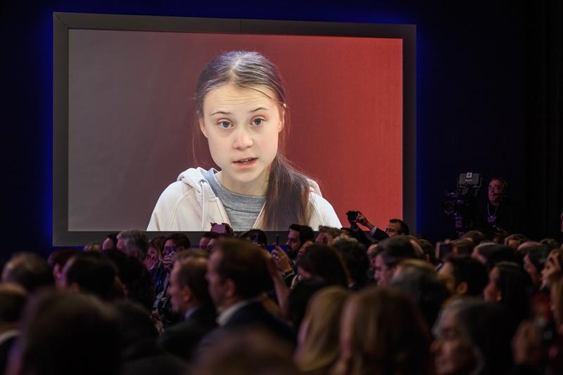 """Un ministro estadounidense aconseja a Greta Thunberg que """"estudie"""""""